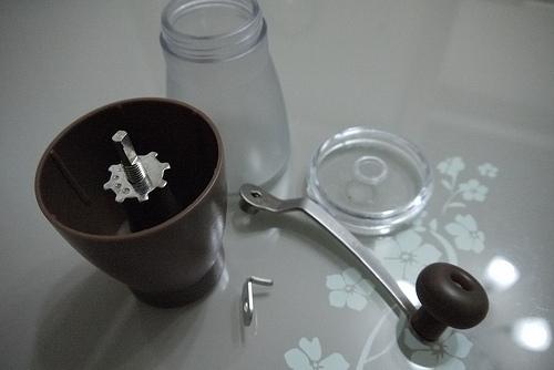 [我的新玩意] Tiamo 1007 手搖陶瓷 coffee 磨豆機